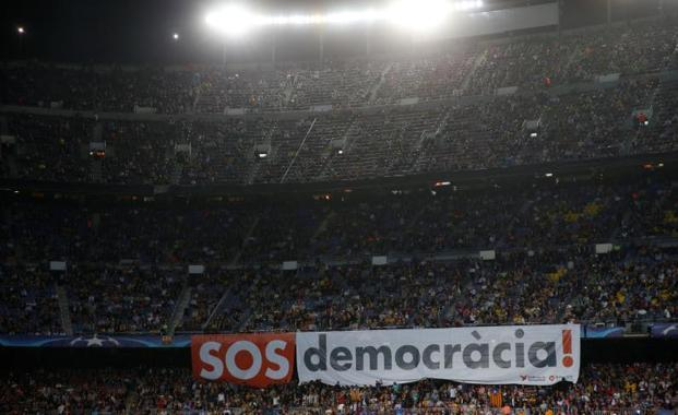 Pancarta independentista en el Camp Nou.