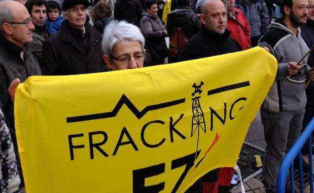 Concentración del movimiento antifracking. /Jesús Andrade