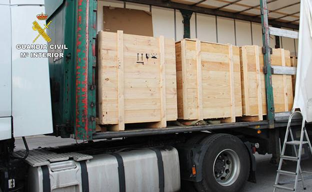 Resultado de imagen de Detienen a un camionero con 658 kilos de hachís
