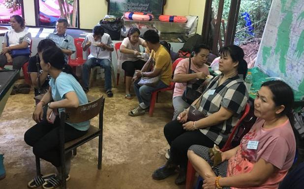 Rescatista muere tras entregar ayuda a niños atrapados en cueva — Tailandia