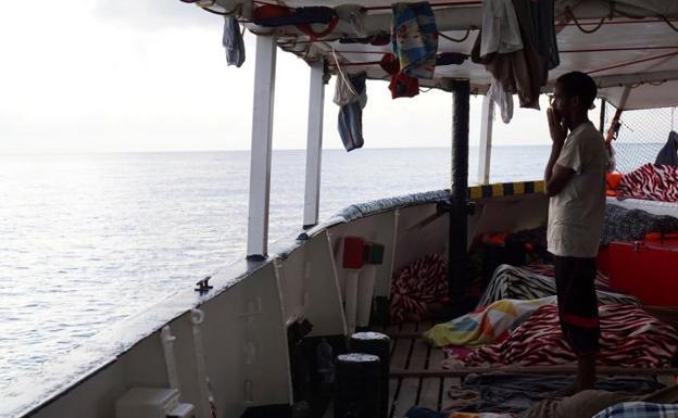 Situación en barco Open Arms está a punto de colapsar