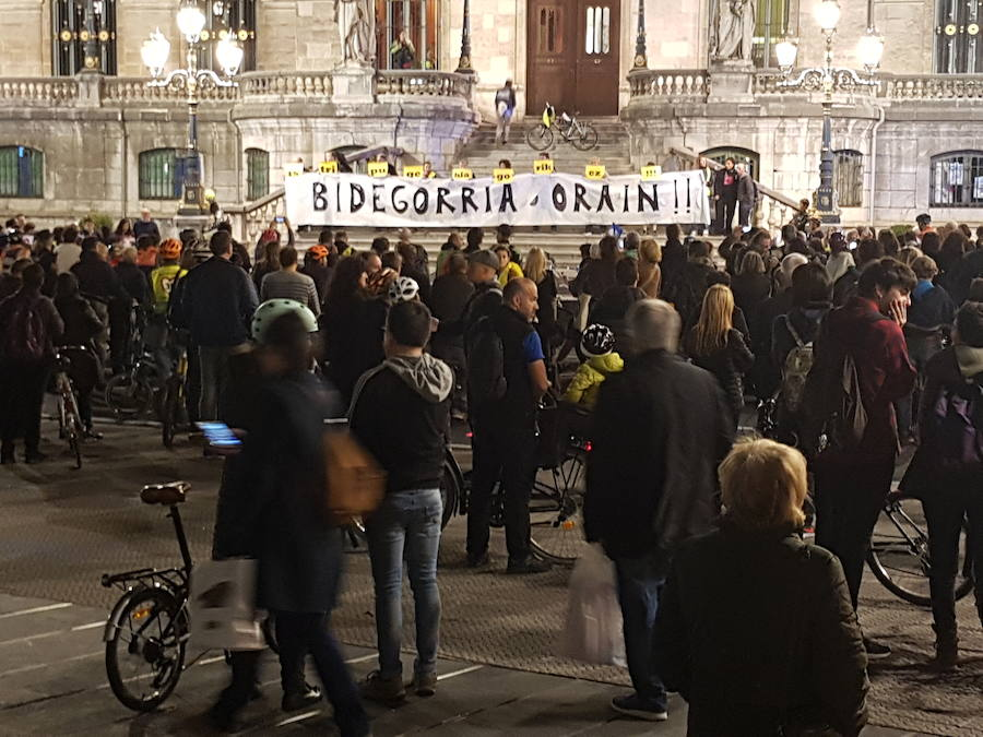La concentración ha finalizado en el Ayuntamiento.
