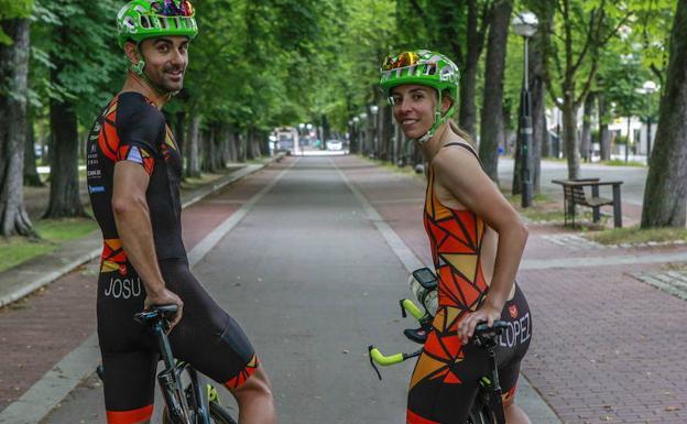 Amaia López y su chico, Josu Txasko, participaron el año pasado por primera vez en el Full del Triathlon de Vitoria -3,8 km a nado, 180km en bici y 42 km corriendo-. Este año, Amaia se va a centrar en el ciclismo.