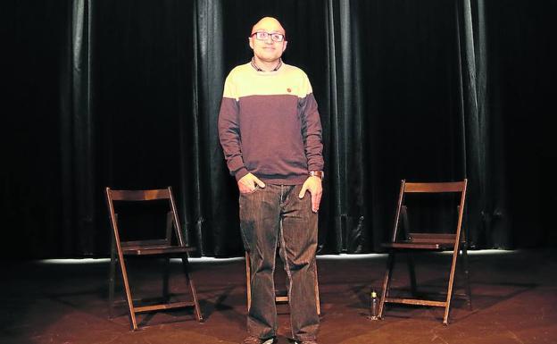 Jesús Vidal, ayer en las tablas del teatro Albéitar, en León, donde empezó y donde soñó con un papel como el de Marín, en 'Campeones'./sandra santos