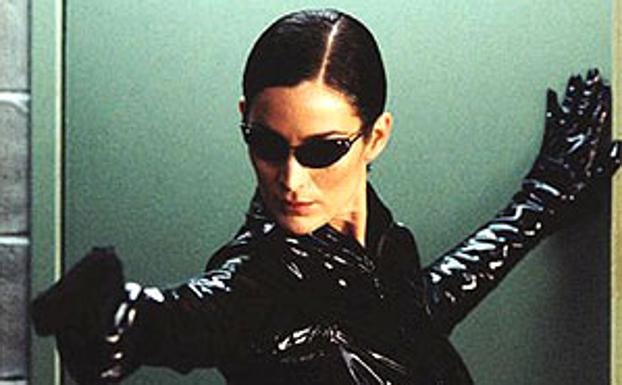 Carrie-Anne Moss en 'Matrix'.