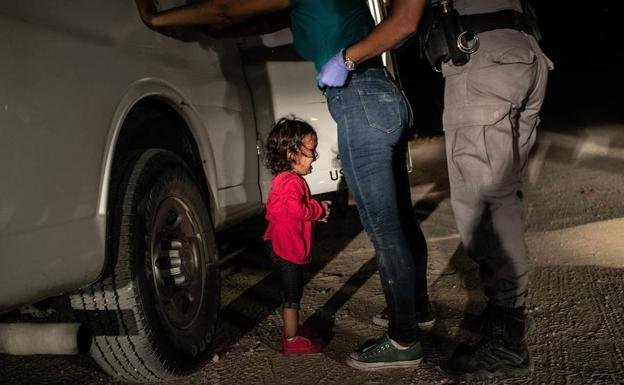 Fotografía tomada por John Moore el 12 de junio de 2018 y que ha ganado el World Press Photo.