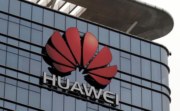 dce9ee0e Google rompe con Huawei y dejará a sus móviles sin sus 'apps' ni las  actualizaciones de Android