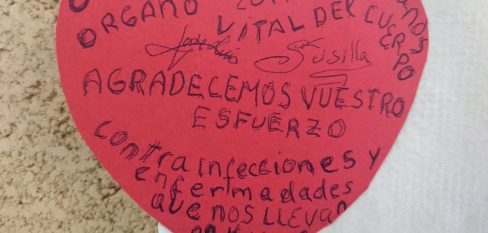 Cartas a los sanitarios en la cárcel de Zaballa: «Agradecemos vuestro esfuerzo contra infecciones que nos llevan al huerto»