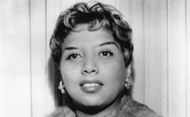 Singer Etta Jones, who died in 2001.