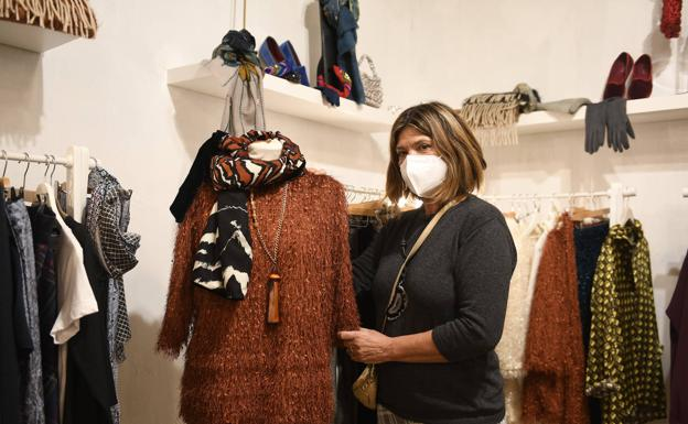 La diseñadora Maria Barrilero, de la firma EME B, en su puesto.