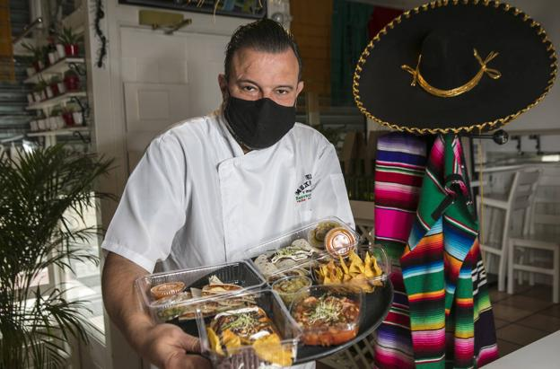 Alberto Solana, cocinero de El Mexicano y Mucho Más.