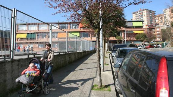 aed0fd152ee67 El Consistorio reservará suelo para nuevos equipamientos deportivos en  Larrotegi.